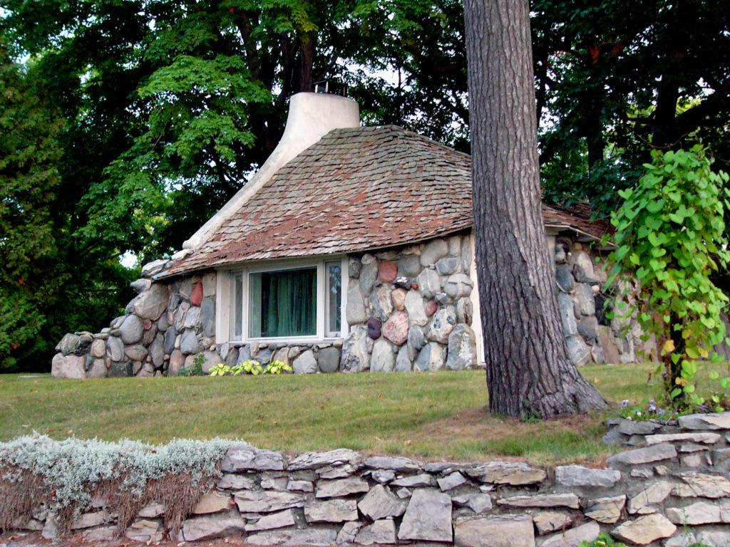 обрамление необычные постройки из камня фото как большинство старинных